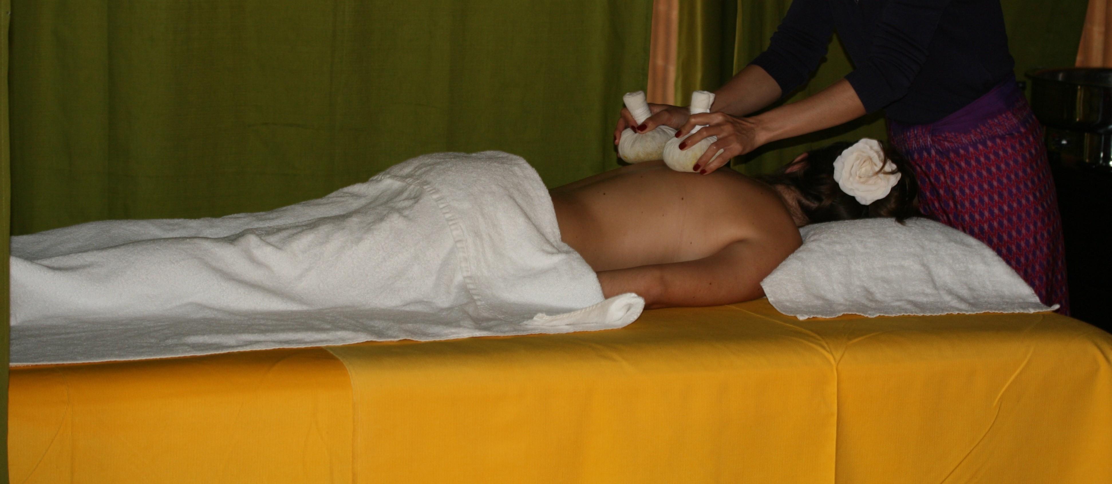 Thaise kruiden stempelmassage
